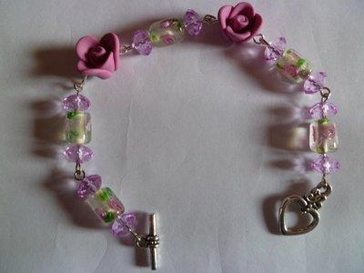 Bracciale perle e roselline in fimo