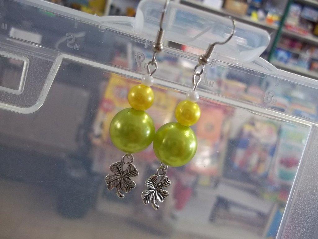 Orecchini perle e quadrifoglio