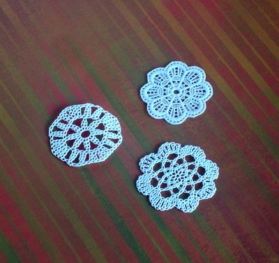 10 pcs CAKE DOILY ONE TYPE - MINIATURE - SUPPLY