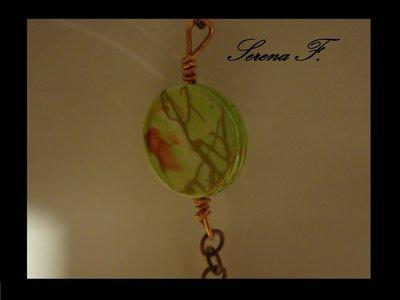 Collana in filo rame con perle in vetro e pastiglie fantasia