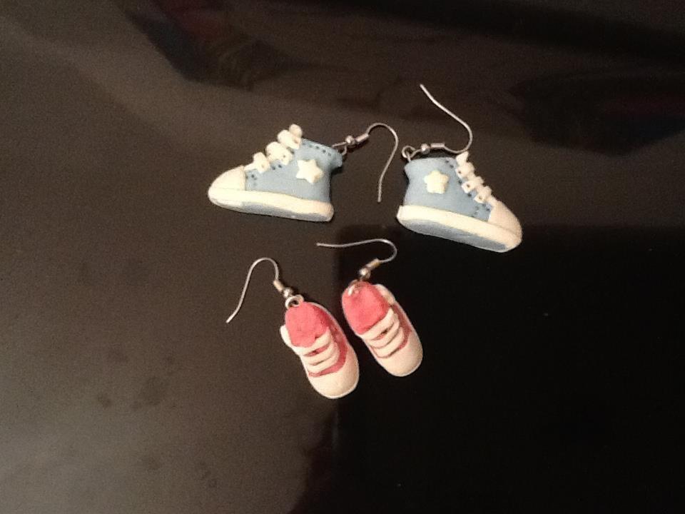 orecchini fimo scarpa ginnastica converse all star