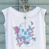 t-shirt teschio e farfalle