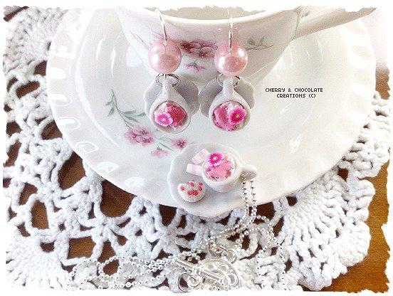 Collana e orecchini piattino e tazzina latte e biscotto bianco