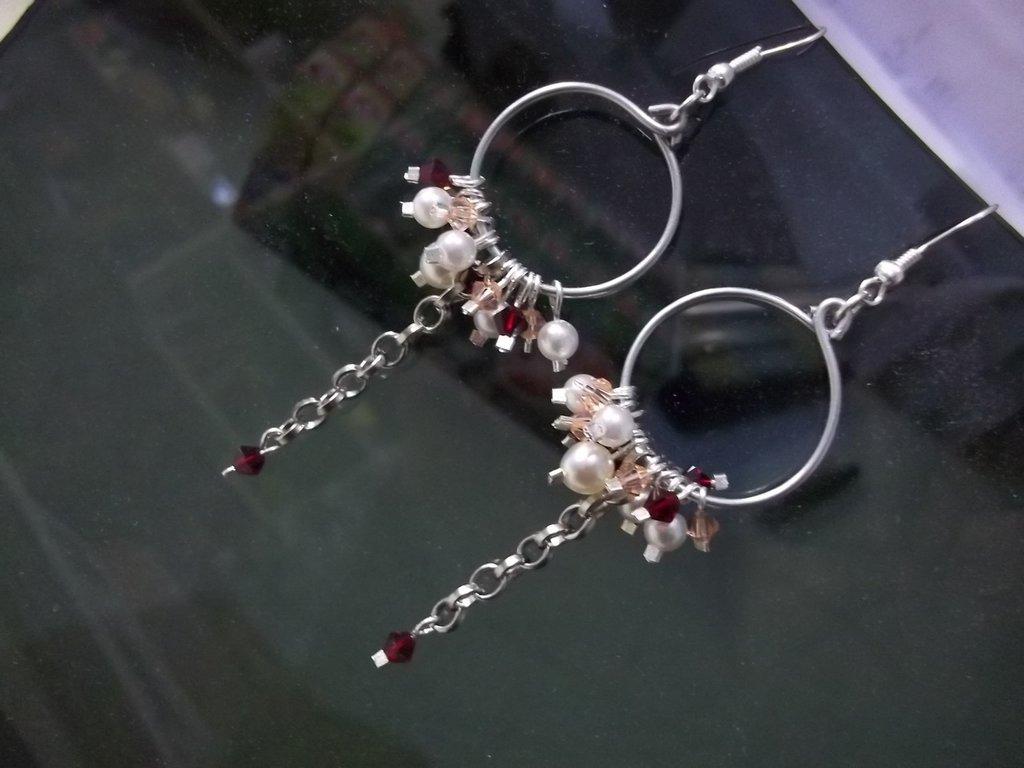 Orecchini cerchio Swarovski e perle