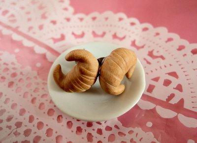 mini croissant - cornetti orecchini a lobo in Fimo