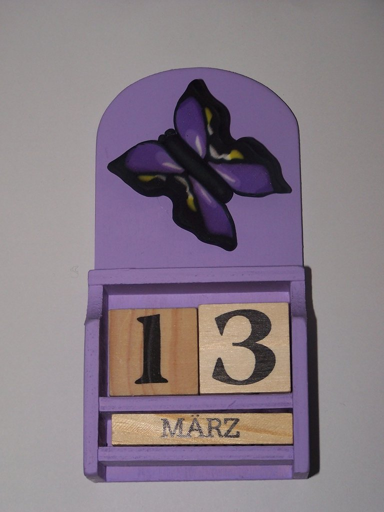 Calendario perpetuo in legno