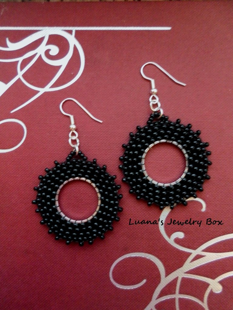 "Orecchini ""Beaded weels"" Black"