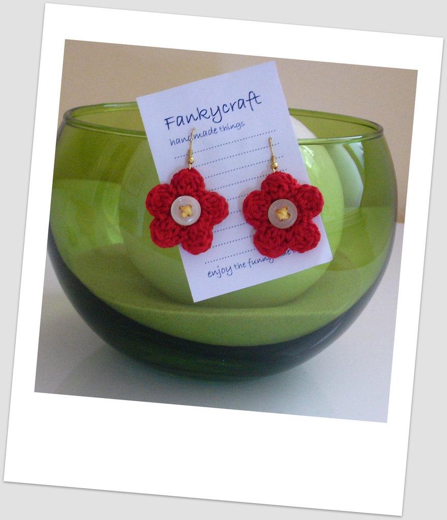 Orecchini rossi fiore