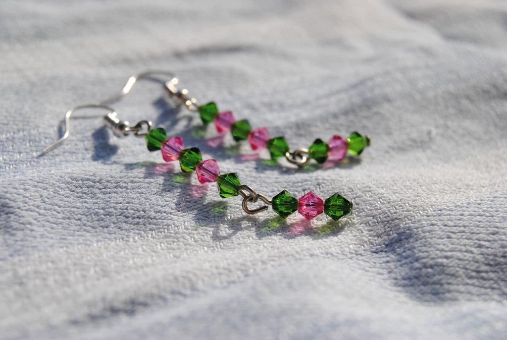 Orecchini con swarovsky verdi e rosa