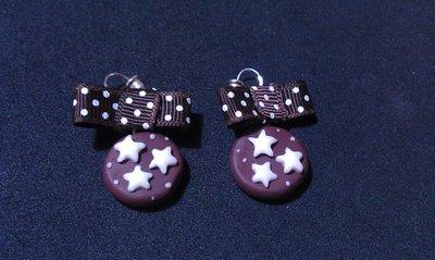 Orecchini a forma di pan di stelle con fiocchetti
