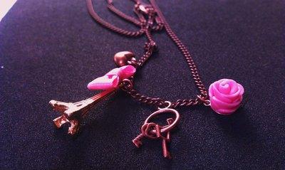 Collana romantica con rosa in fimo, tour eiffel e charms vari