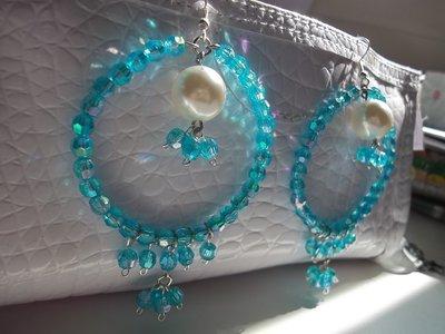 orecchini a cerchio azzurri