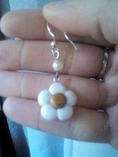orecchini fiore bianco in fimo