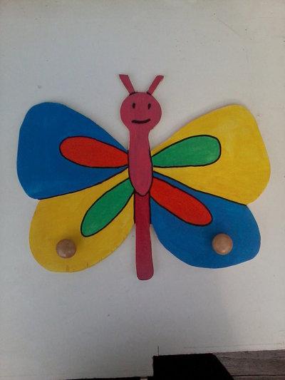 Appendiabiti/attaccapanni per bambina, farfalla, fatto e dipinto a mano