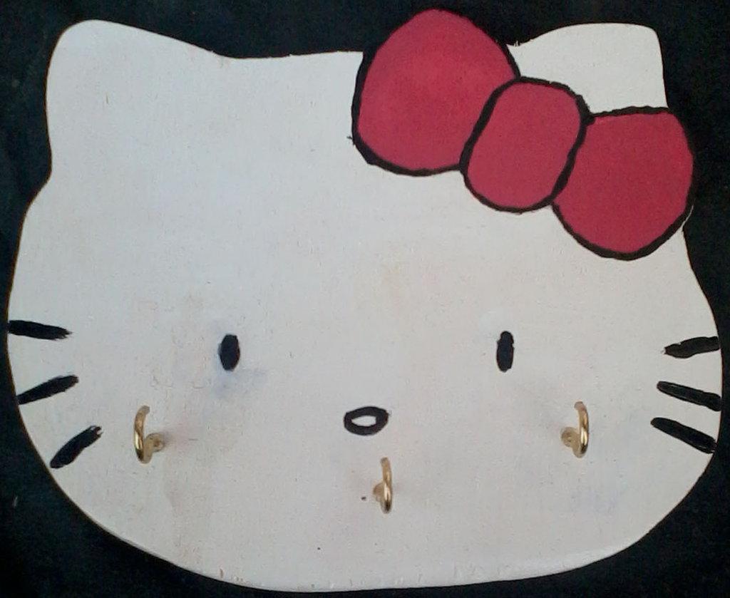 """Portachiavi da parete """"Hello Kitty"""" in legno, fatto e dipinto a mano"""