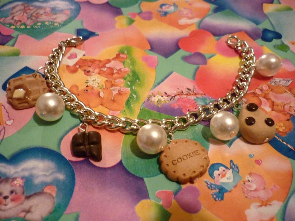 Bracciale con dolcetti e perle