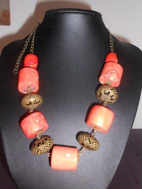 collana con coralli e rame