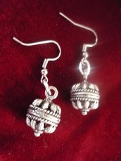 orecchini con bottoni sardi