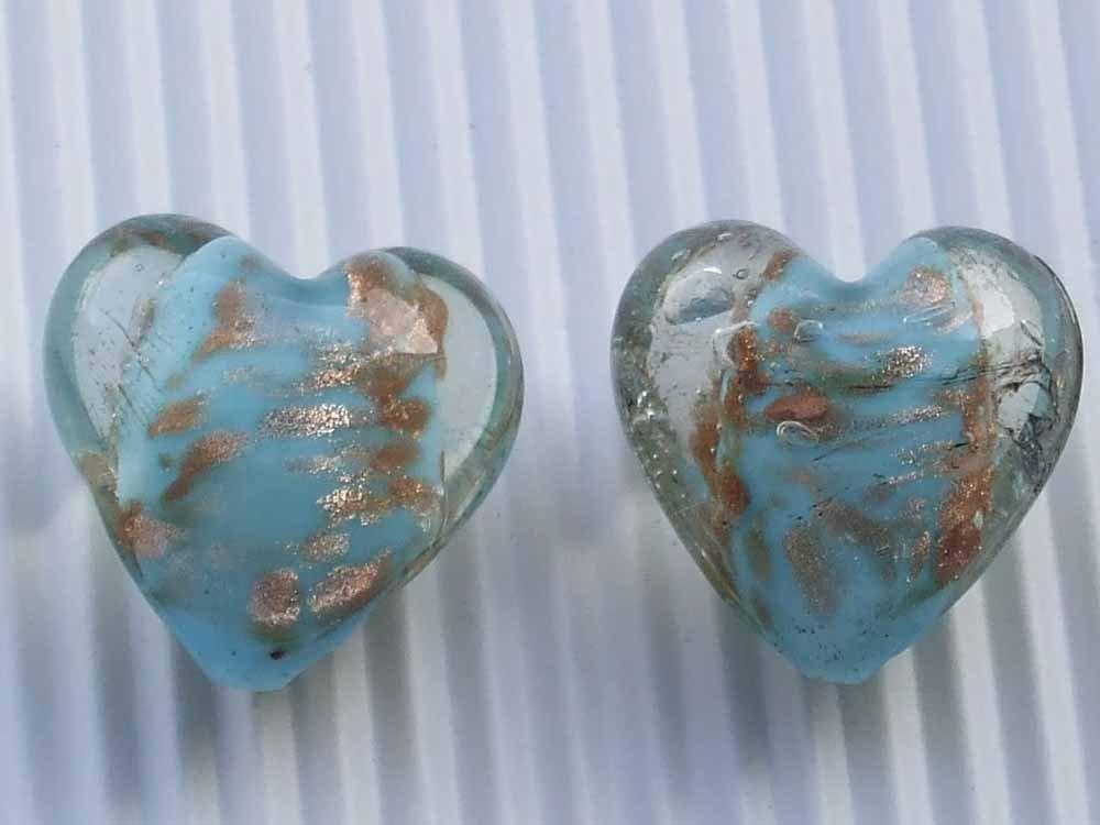 2 perle vetro cuore 20x22mm azzurro inserti oro vend.