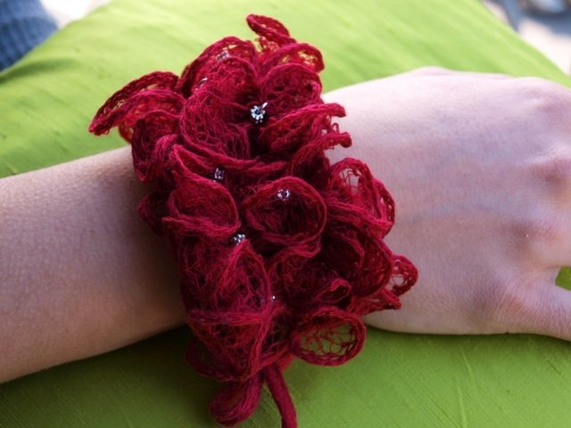 Braccialetto in lana bordeaux