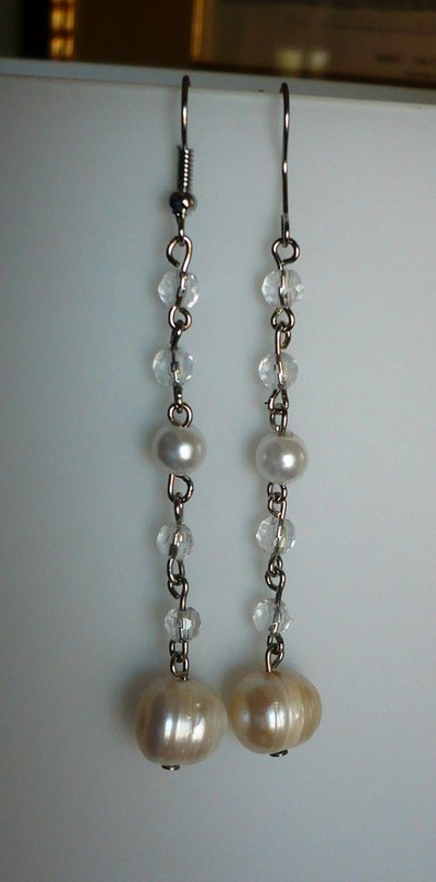 Orecchini pendenti perla e cristalli