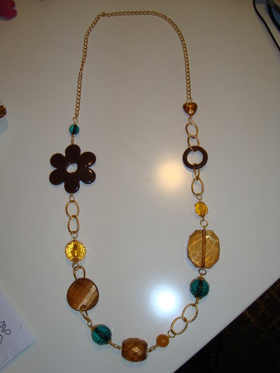 Collana marrone-oro-verde
