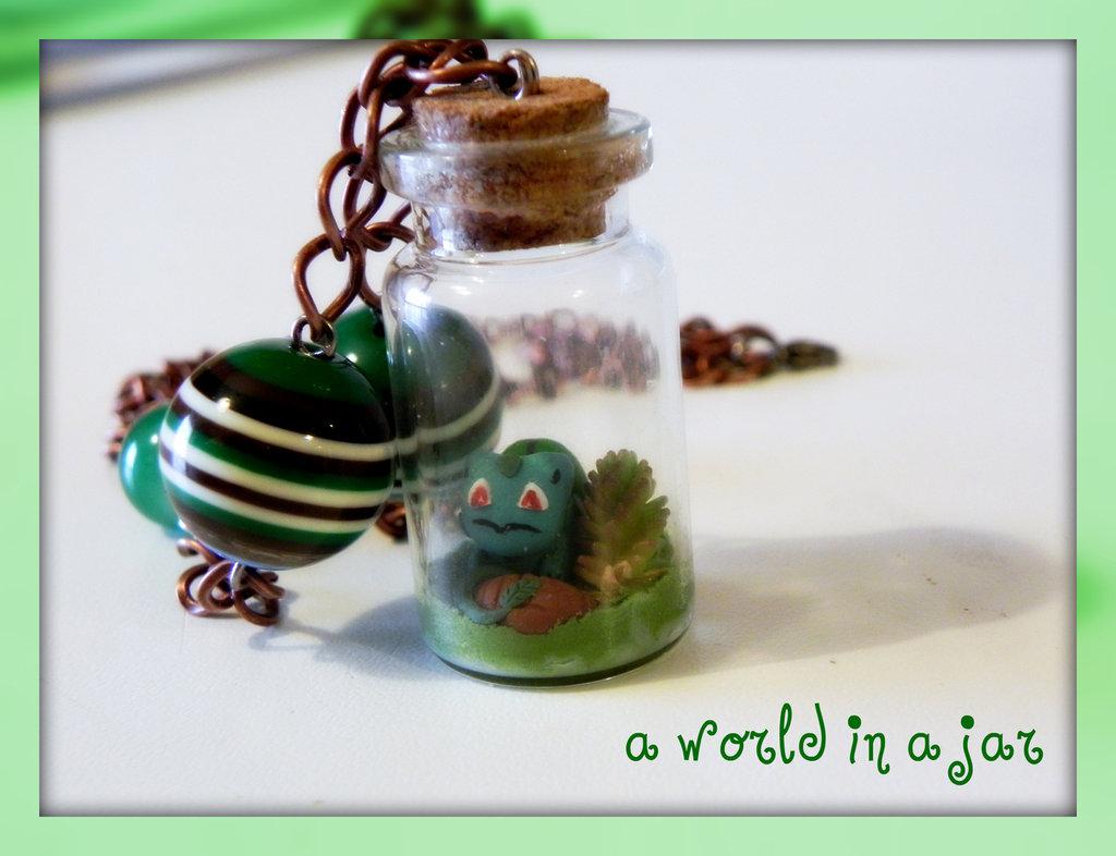 bulbasaur in a jar collana