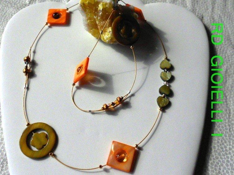 Collana in Madre perla CON ORECCHINI IN REGALO