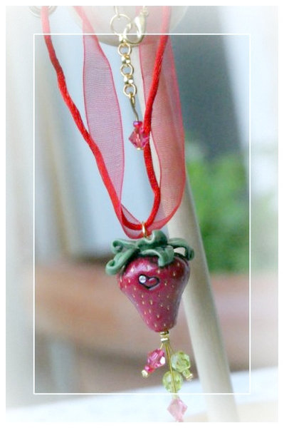 "Collana ""Strawberry"" *"