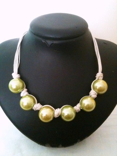Collana perle grandi verde