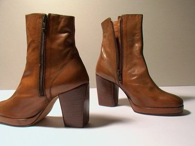 BROWN KIDSKIN LOW BOOTS (TRONCHETTO) - SIZE 6.5 - '70 - MADE IN ITALY - NEW AND NEVER WORN