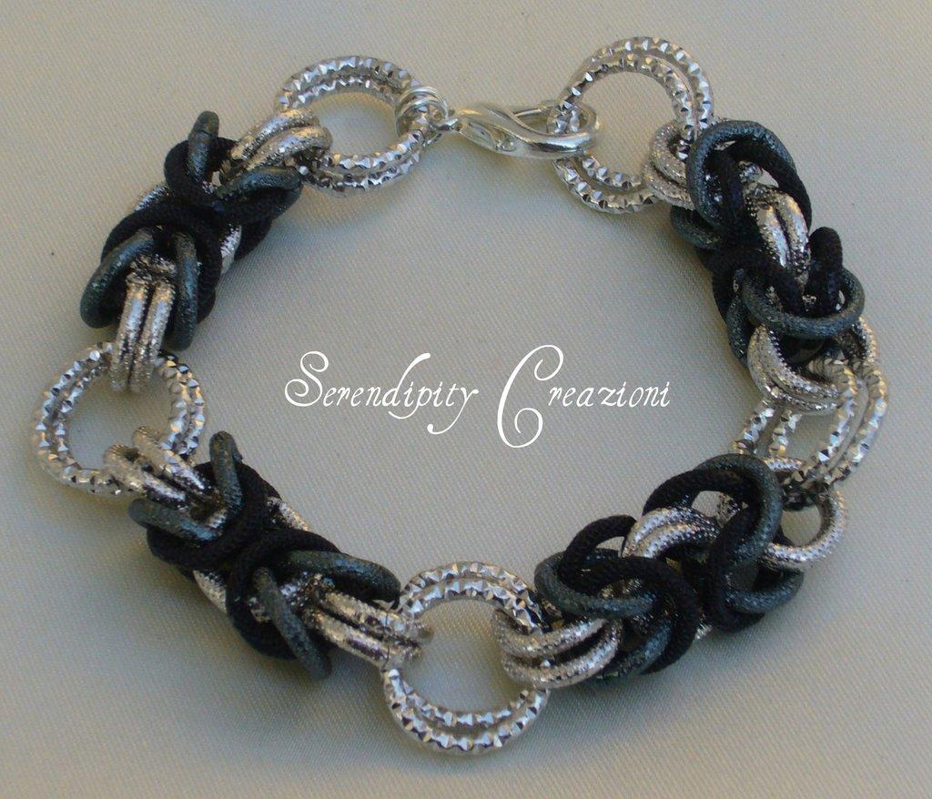 Braccialetto Chain Mail Nero e Argento