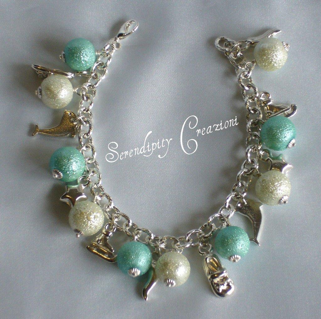 Braccialetto Charms con Perle Azzurre e Bianche