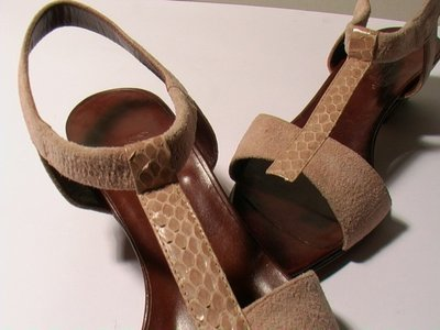 APRICOT SUEDE AND PYTHON SANDALS SIZE 6.5 - '80 - MADE IN ITALY - NEW AND NEVER WORN