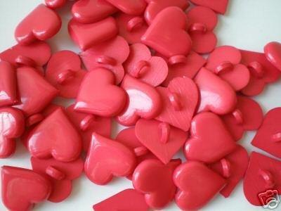 9 BOTTONI CUORE ROSSO PLASTICA - heart buttons