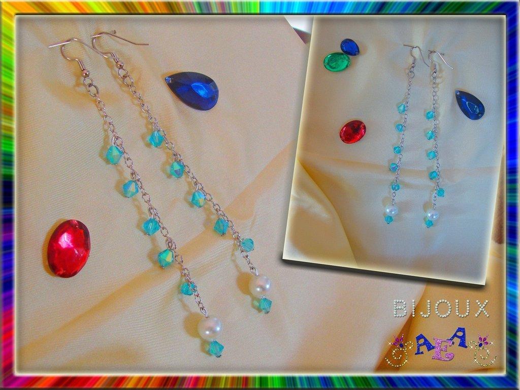 ORECCHINI catenella con perla e Swarovski azzurri