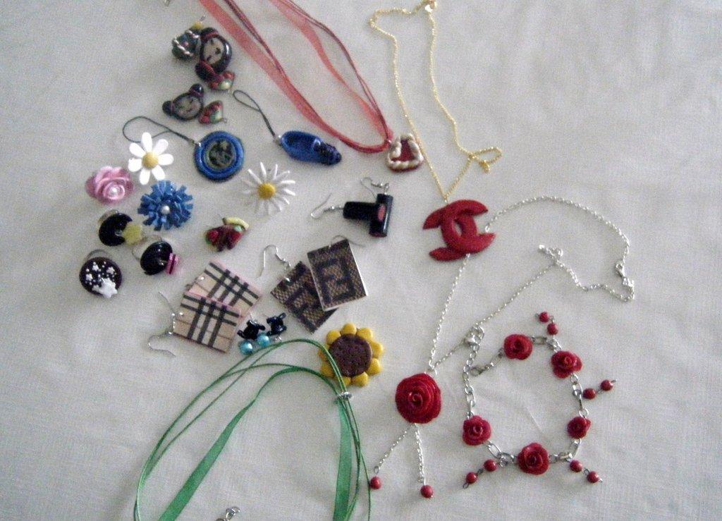 stock di accessori in fimo collane anelli bracciale orecchini