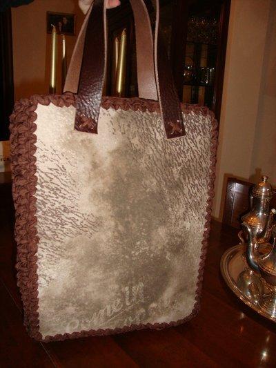 borsa in pelle stampata e fettuccia
