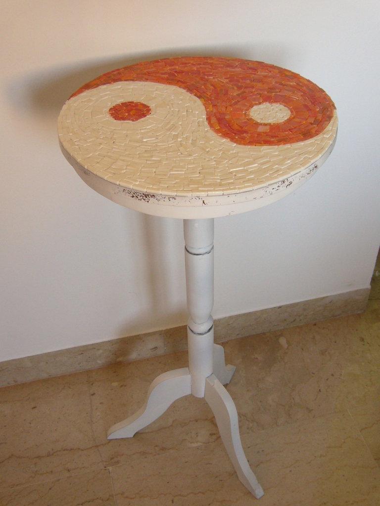 Tavolino in mosaico