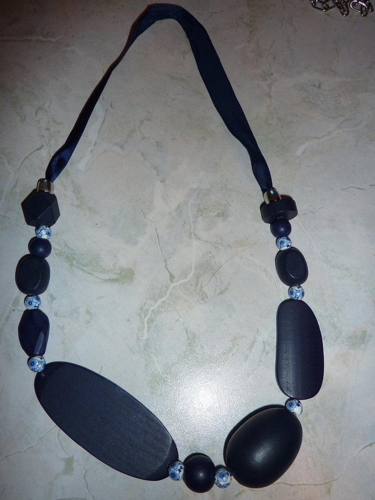 Collana lunga blu legno e porcellana, spedizione gratuita
