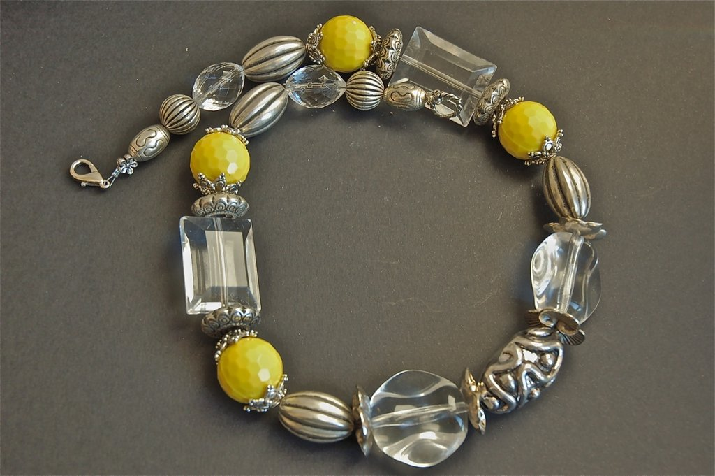 Yellow spring necklace