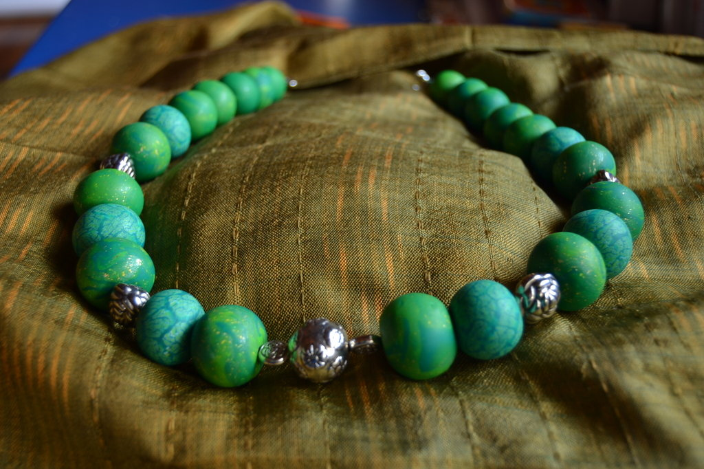 collana girocollo sfumature verdi
