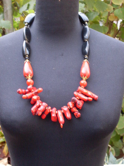 "Red coral mod. ""EARTH AND FIRE"""