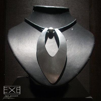monile in acciaio