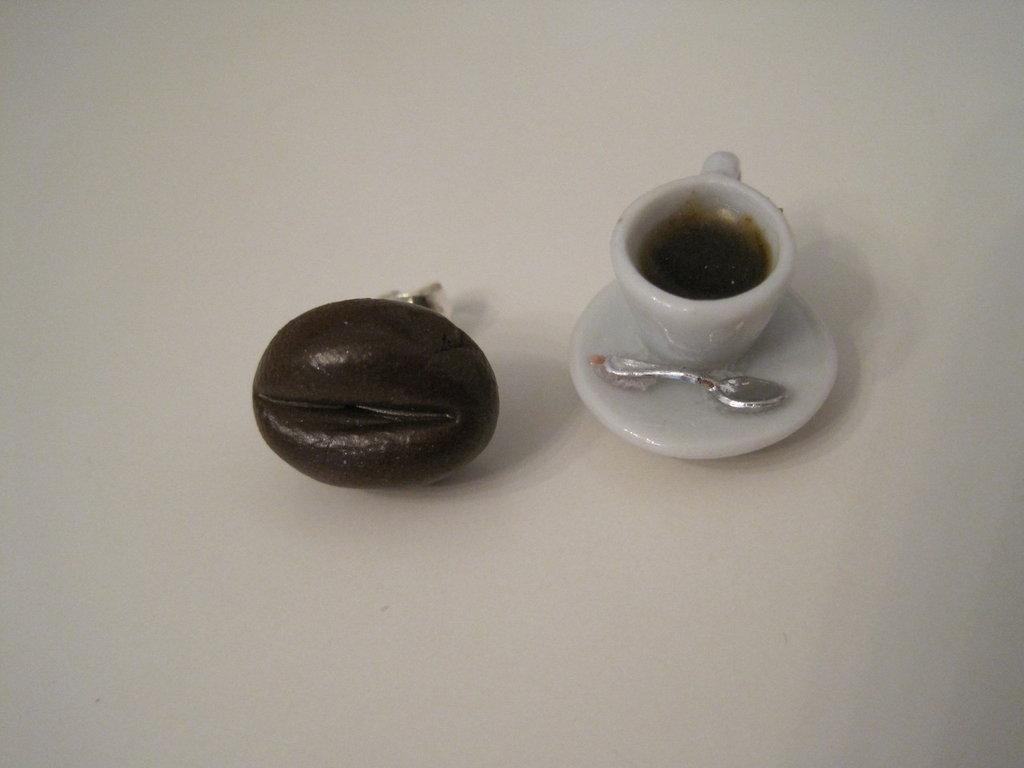 Orecchini a perno chicco di caffè