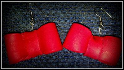 Orecchini fiocchetti rossi