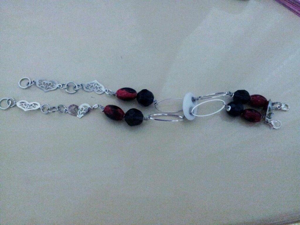 Bracciale doppio argentato con nero-rosso e viola