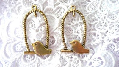 "Pendente ""Bird's house"" color oro anticato"