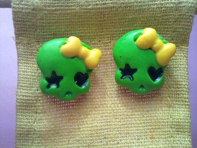 rock skulls