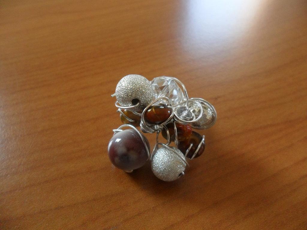 anello con filo metallico intrecciato